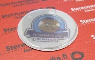 Pyöreä heijastin logolla