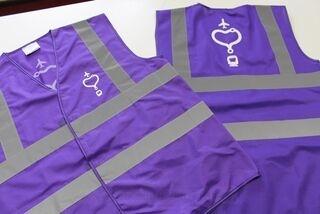 Violetit heijastinliivit logolla