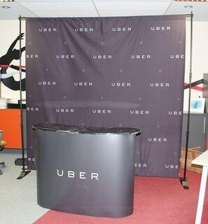 Uber seinä + pöytä