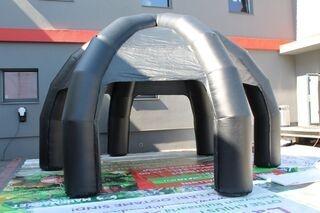 Ilmatäytteinen teltta