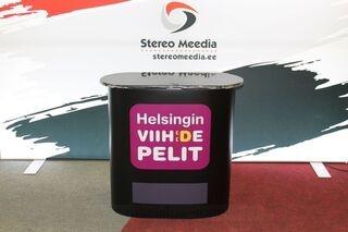 Helsingin Viihdepelit esittelypöytä