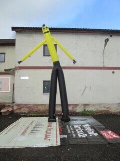 Komea tuulimies heilumassa