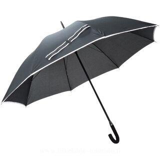 Large umbrella with fibreglass bar